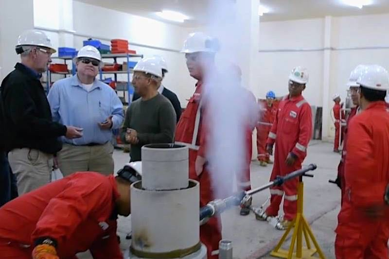 Hot Tapping Utilizing Liquid Nitrogen - Hot Tapping Pipe Freezing Client Demo Qatar - Hot-Hed® Intl