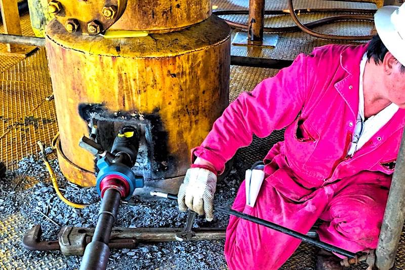 Hot Tapping Services - Hot Tapping Companies - Offshore Platform Hot Tapping - Pipeline Hot Tapping - Oilfield Services - Hot-Hed® International