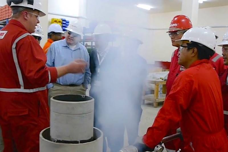 Hot Tapping & Pipe Freezing Client Demo at our Qatar Oilfield Services Workshop - Hot Tapping using Liquid Nitrogen - Hot Tapping Service - Hot-Hed® Middle East