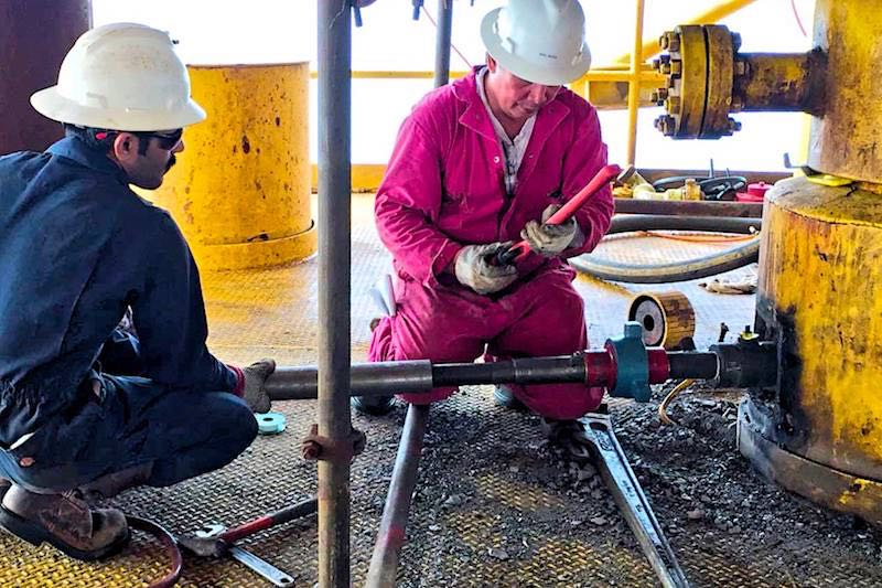 Hot Tapping Crew - Hot Tapping Engineers - Hot Tap Technicians - Oilfield Services - Hot-Hed® International