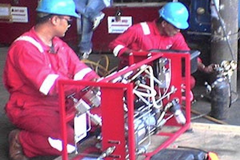 Press-Test® Wellhead Pressure Testing   Test HPHT Wells & Xmas Tree Cavities   Portable Wellhead ...